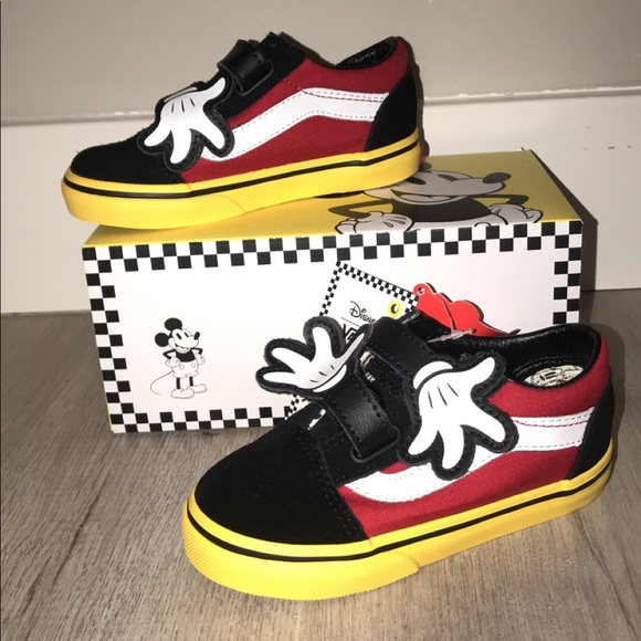 f3a1261edc Mickey Mouse Vans size 8 Toddler